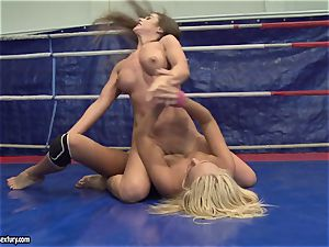 Cathy Heaven and Ivana Sugar cootchie munch in the ring