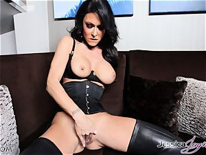 steaming brown-haired honey Jessica Jaymes messing with her poon