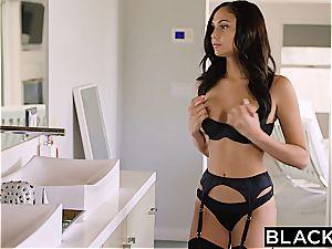 super-fucking-hot pop starlet Ariana rails a enormous black cock
