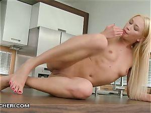 Lindsey Olsen Finger gash penetrates
