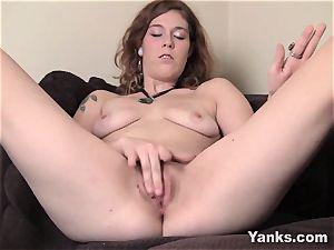 yanks cutie Teal luvs Her pleasure button