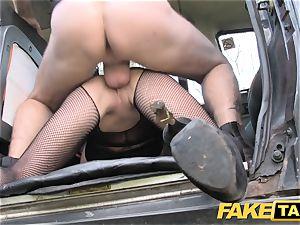 faux taxi Street damsel screws cabbie for cash
