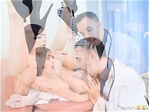 Marley Brinx gets her puss deeply investigated at the doctors