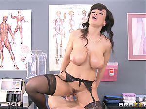 Lisa Ann all lubricated up and analled