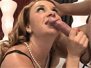 Janet Mason is a sandy-haired sweetheart with a nice vulva