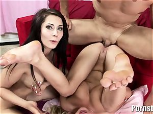This red-hot three way ends Up In Getting booty spunked