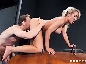 Capri Cavanni finishes her exercise with some humungous chisel