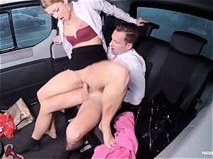 screwed IN TRAFFIC - molten Czech babe banged in the car