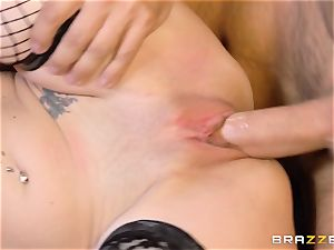 VIP Dava Foxx proves she is a messy gal