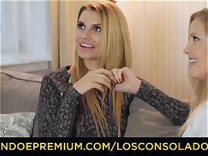 LOS CONSOLADORES - bouncy donk woman fucks beau and gf