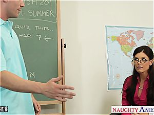 ultra-cutie India Summer wants a younger pipe to sate her