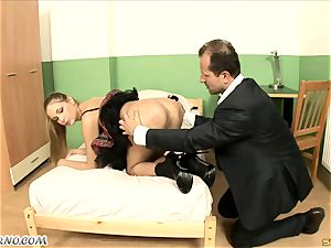 insane student's first buttplug lesson