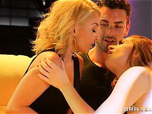 Aaliyah love shares her man with gorgeous pillar dancing Veronica Vain