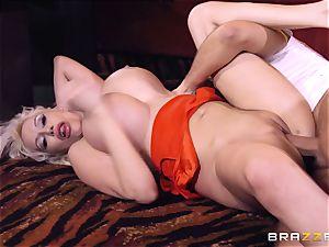 Keiran Lee boner inserting Sandra starlet