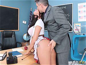 muddy schoolgirl Peta Jensen plumbs the lucky dean