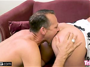 Maddy nails the therapist while her hubby waits